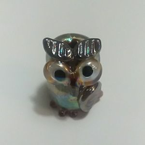 Glass owl bead